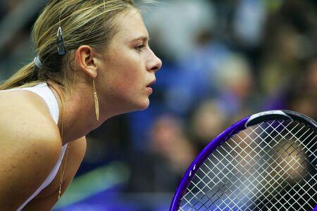 deportes olimpicos: Mosc?, Rusia - octubre 14,2005 - la Maria Sharapova rusa en el juego de cuartos de final del torneo de tenis Copa Kremlin el 14 de octubre de 2005 en Mosc?.