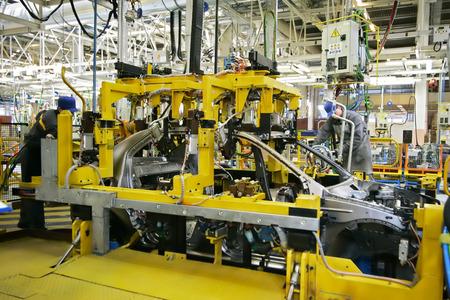 empleadas domesticas: Industria del automóvil