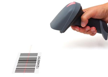 barcode scan: mujer mantenga esc�ner y esc�ner de c�digo de barras con el laser