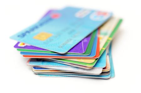 gastos: cartões de crédito pilha no branco
