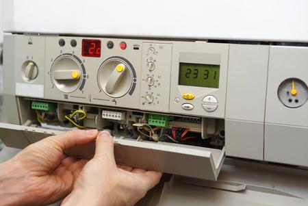 fixation four à gaz
