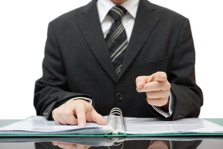 d?a: contador o auditor se�ala a usted, le da una advertencia