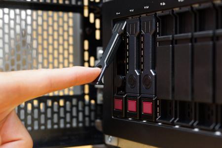 troubleshoot: repairing server, replacement hard disk drive