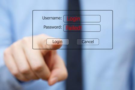 datos personales: hombre de negocios intenta sin éxito entrar en el sistema Foto de archivo