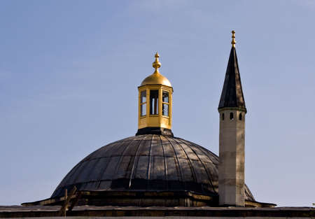 Minaret and Dome on roof of Topkapi Palace in Istanbulo Imagens