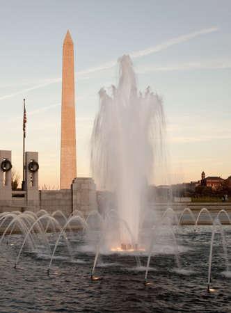world war two: World War Two fountain frames the Washington Monument