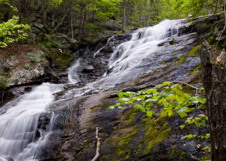 Overall Run waterfall is the highest waterfall in Virginia if its sections are taken into account. Reklamní fotografie