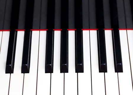 clavier: Close up image of the keys of a grand piano