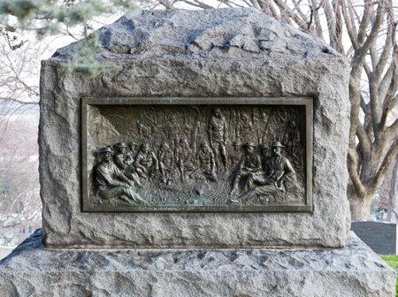 Monumento a la entrega de Gerónimo o Geronymo y los apaches en México en 1883 en el cementerio de Arlington