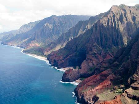 na: Aerial image of the inaccessible coast of Na Pali in Kauai