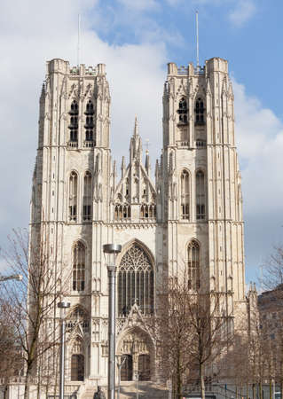 belgique: Towers of Cathedral of St Micheal in Brussels in wintertime