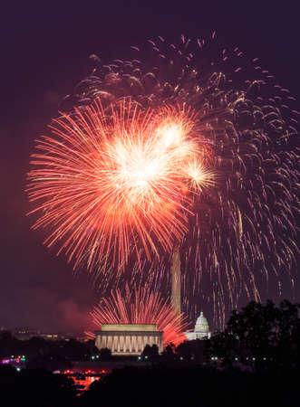 capitol building: Independence Day fireworks celebrations over monuments in Washington DC