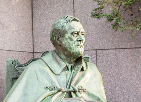 roosevelt: Detail of head on statue in memorial monument to President Franklin Delano Roosevelt in Washington DC
