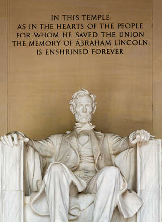 lincoln memorial: Statue of President Lincoln in Lincoln Memorial in Washington DC