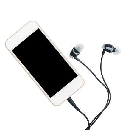 MP3 digitale muziekspeler ingebouwd in smartphone of mobiele telefoon met oordopjes geïsoleerd tegen een witte achtergrond