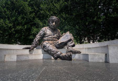 ワシントン â €7 月 8 日: 2017 年 7 月 8 日、ワシントン DC のアルバート ・ アインシュタインの像。によってロバート ・ バークス像は 1979 年 4 月に