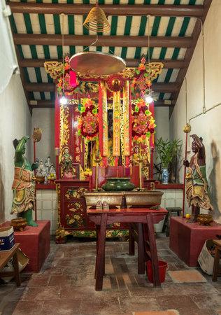 HONG KONG, CHINA - NOVEMBER 2, 2018: Altar inside Yeung Hau Temple at Tai O fishing village Sajtókép