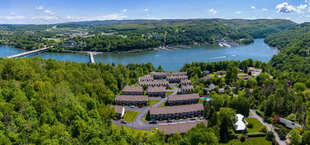 Panorama of a townhome development at Cheat Lake from aerial drone shot near Morgantown, West Virginia Banque d'images