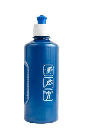 botella de plastico: botella de pl�stico azul para los atletas en un blanco Foto de archivo