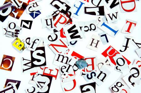 Briefe geschnitten aus Zeitungsartikeln, Hintergrund Standard-Bild - 10022439