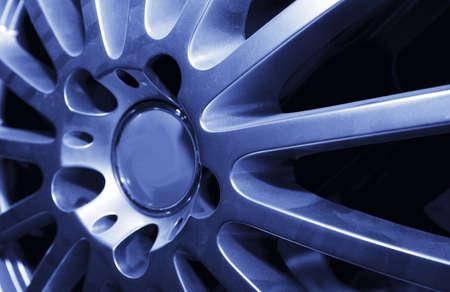 shiny car: auto schijf met spaken Stockfoto