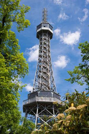 Petrin Aussichtsturm in Prag Standard-Bild - 52903686
