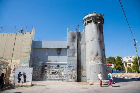 베들레헴은 팔레스타인 - 6 월 (2), 2015 : 이스라엘 웨스트 뱅크 장벽은 분리 장벽이다. 완료되면, 총 길이는 약 700km 것입니다. 6 월 2 일, 2015 년 베들레헴,