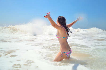 woman enjoying life in the ocean Stockfoto