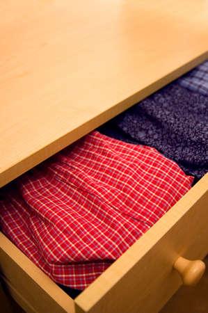 Open dressoir - open lade blijkt boxershorts