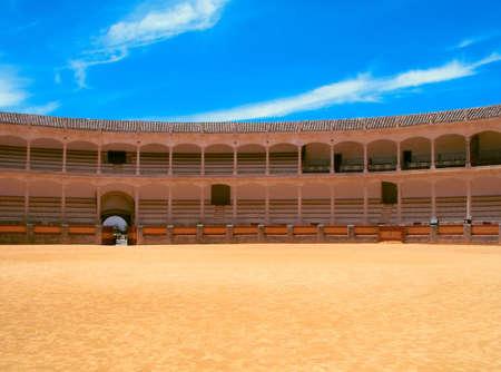 corrida de toros: Arena que lucha de Bull en Espa�a