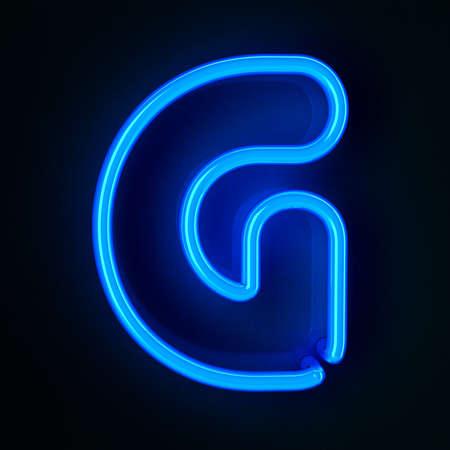 tubos fluorescentes: neón altamente detallado cartel con la letra G Foto de archivo