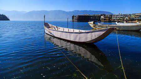 Lake scenery at Cangshan Standard-Bild