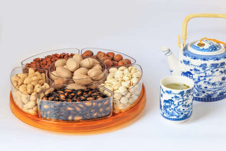 dried fruit: A variety of dried fruit