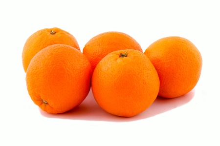 un healthy: Oranges isolated on the white