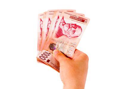 dare soldi: Mano dare i soldi a qualcuno