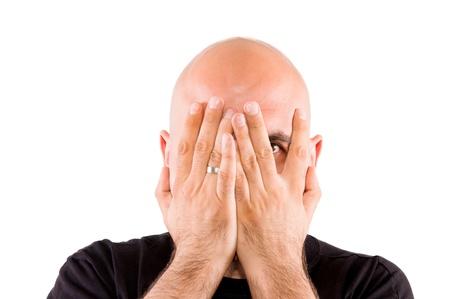 bald man: Ocultar los ojos aislados en blanco