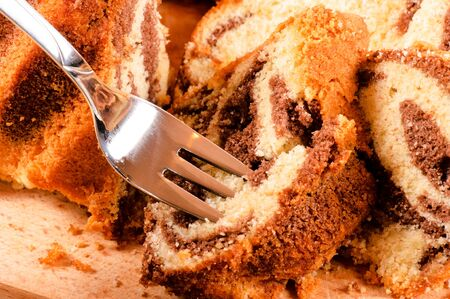 grabing: Grabing the cake with fork