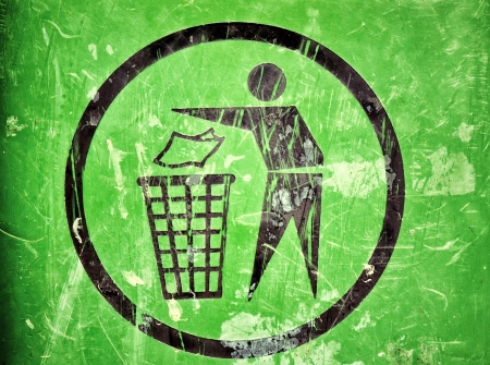 recycle bin: Scratched trash sign