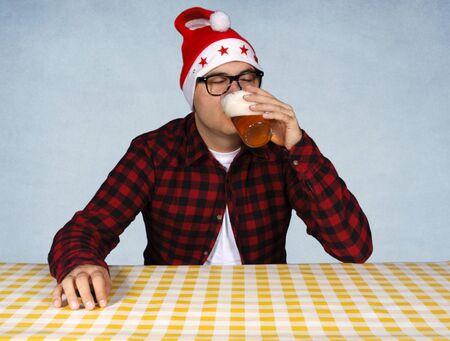 Santa drink pint of beer Stock Photo - 15831229