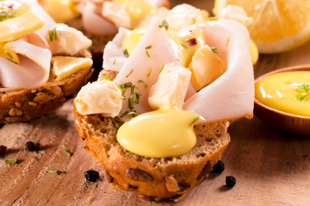 delightfully: Mini sandwiches with melted cheese and turkey ham