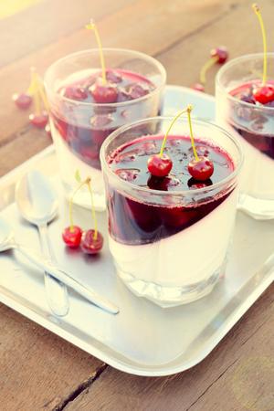 pannacotta: Panna cotta dessert with cherries