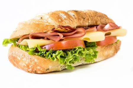Cierre hasta ciabatta sandwich con jamón y queso sobre fondo blanco, enfoque selectivo Foto de archivo - 39249627