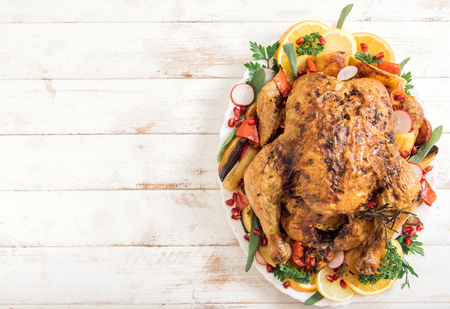 Golden rustic and stuffed roast turkey with vegetables,blank space Banque d'images