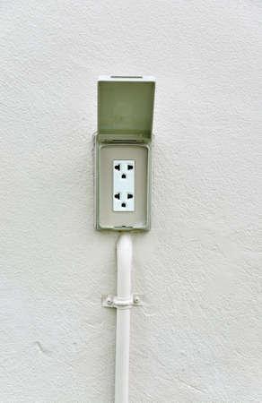 220 volts tomada el�trica imperme�vel ao ar livre na parede fora de casa