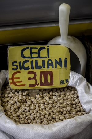 supermarket: Raw Sicilian chickpeas are exposed to the local market