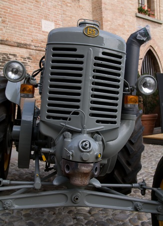 lambrusco: Old model of tractor, renovated to be in superb condition