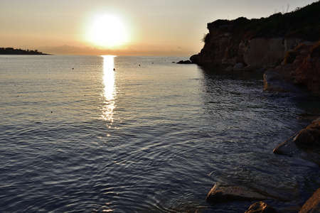 Picture of the sea in Fontane Bianche at the sunrise. 版權商用圖片