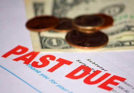 schuld: Vervallen bericht waarin slechts een paar dollar en verander beschikbaar.