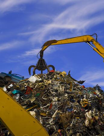 metallschrott: Stapel des alten Schrottes im Schrottyard