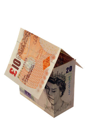 Une maison faite de billets de banque